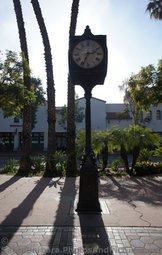 Clock Tower at entrance to La Arcada Santa Barbara.jpg